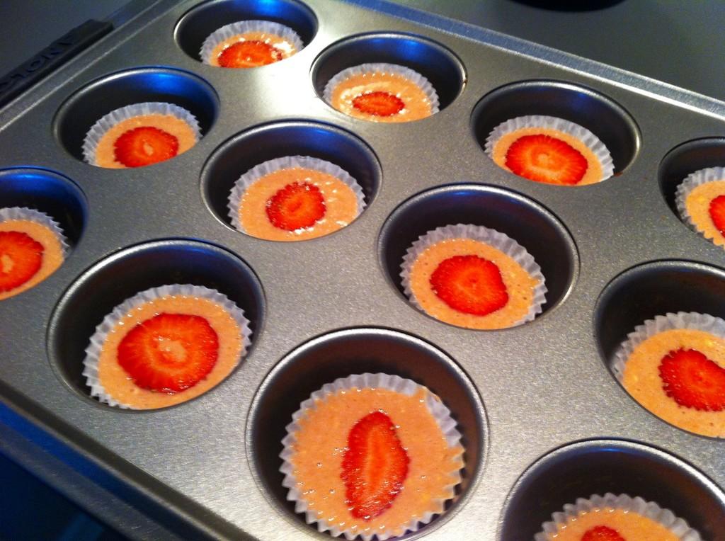 strawberry Pan cupcakes
