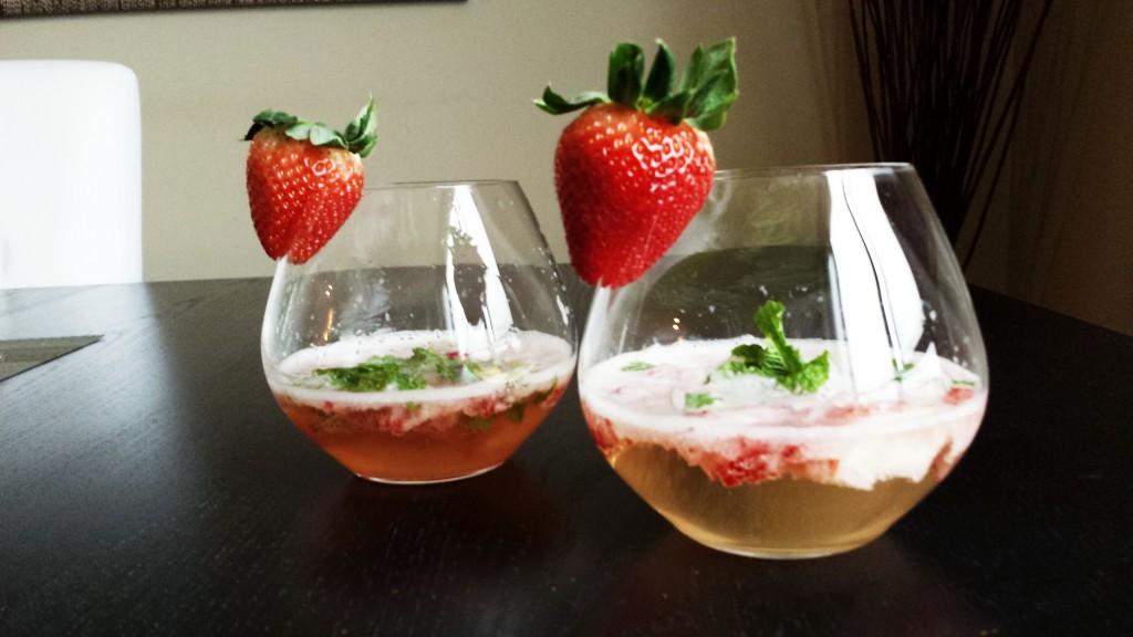 Strawberry Champagne Mojito